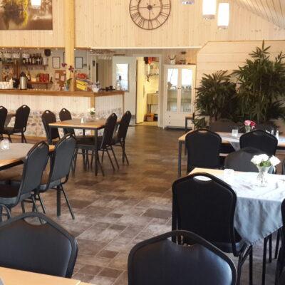 Husnes Camping og Gry Helge's Bar & Restaurant